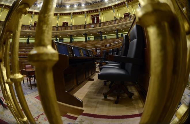 Los escaños vacíos del Congreso, el viernes, tras la segunda...