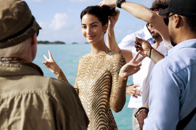 La modelo Lily Aldridge preparando la campaña de 'Wonderlust'.