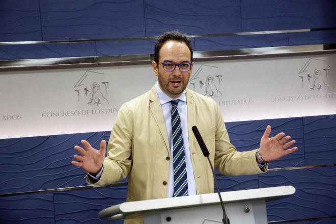 Antonio Hernando, portavoz del PSOE en el Congreso, en rueda de...