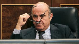 Luis de Guindos, en el debate de investidura de Mariano Rajoy el...