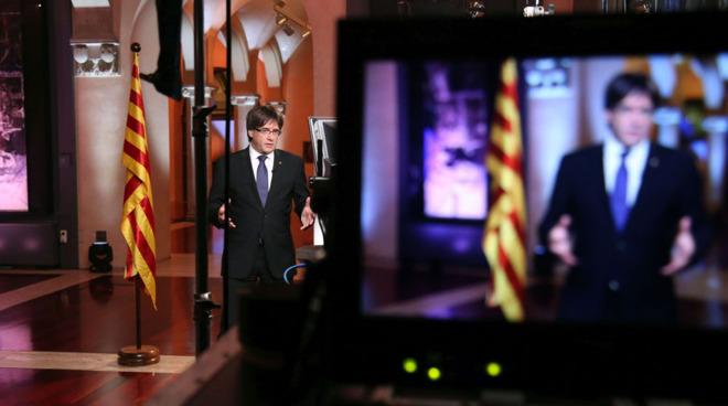 El president Puigdemont en su discurso desde las salas de Antoni...