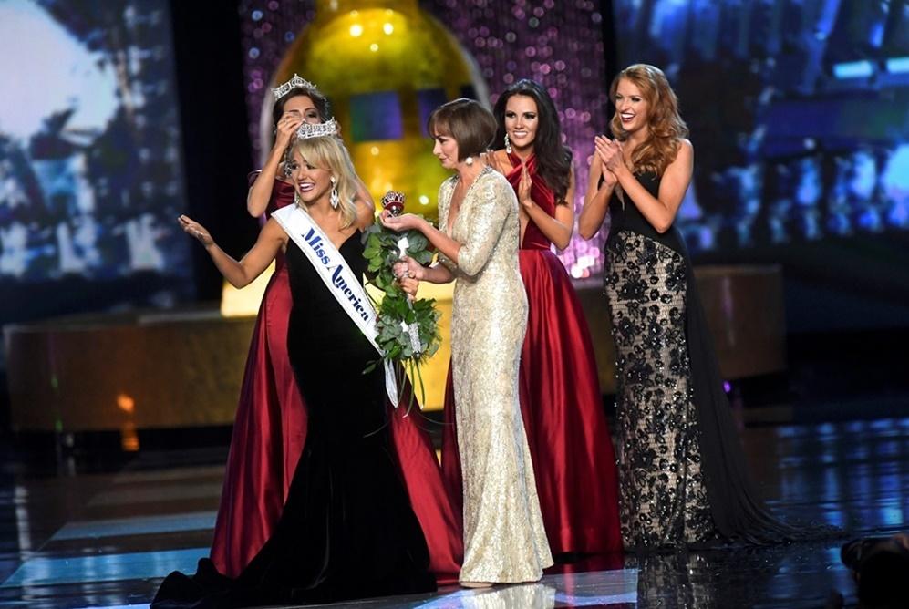 Savvy Shields fue coronada ayer por la noche Miss América 2017....