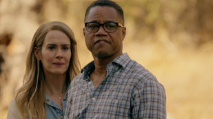 Sarah Paulson y Cuba Gooding Jr., en 'American Horror Story. Roanoke'.