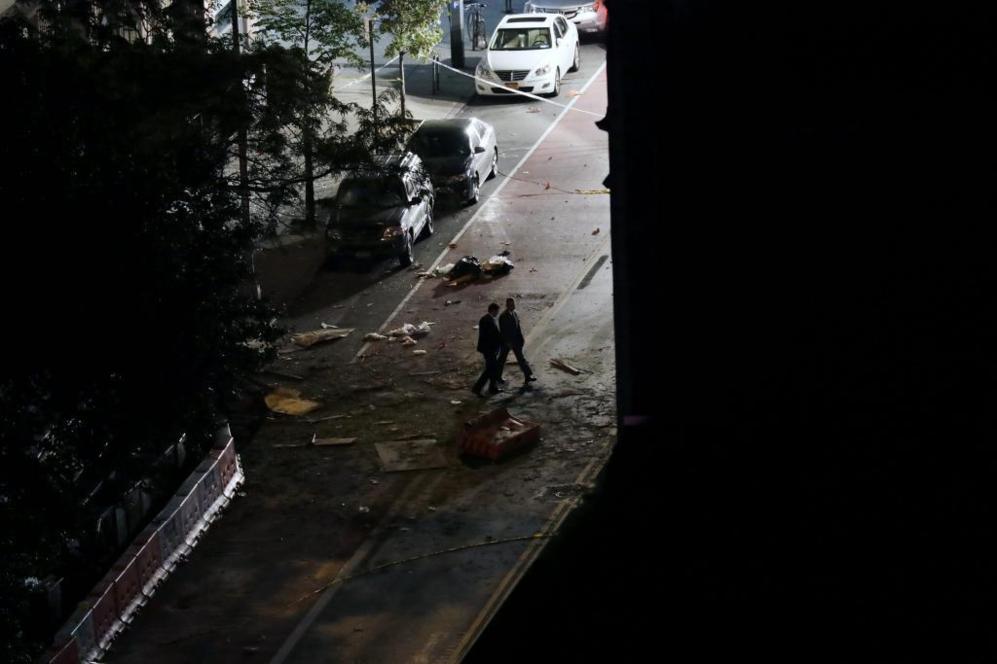 El estallido se registró ante el edificio del 131 de la calle 23...