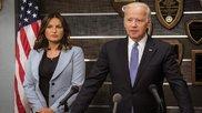 Joe Biden junto a Mariska Hargitay, la teniente Olivia Benson en 'Law...