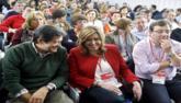Susana Díaz, entre los barones críticos Javier Fernández y...