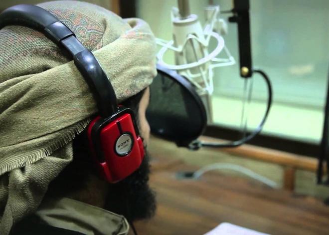 Emisión de la radio Al Bayan.