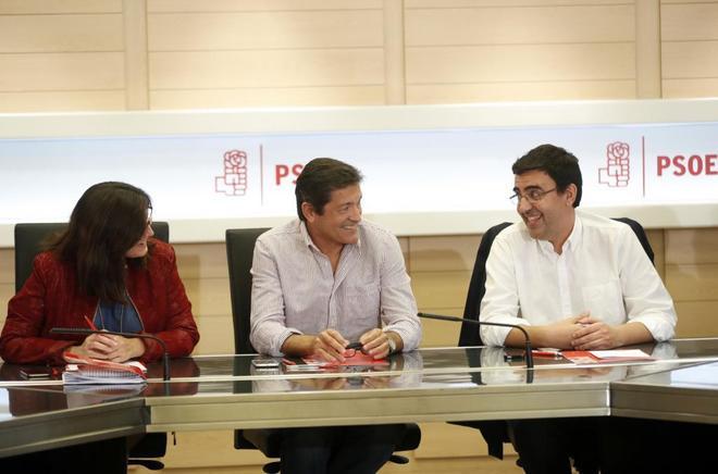 Ascensión Godoy, Javier Fernández y Mario Jiménez, en la reunión...