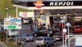 Vehículos repostando en una gasolinera de Madrid.