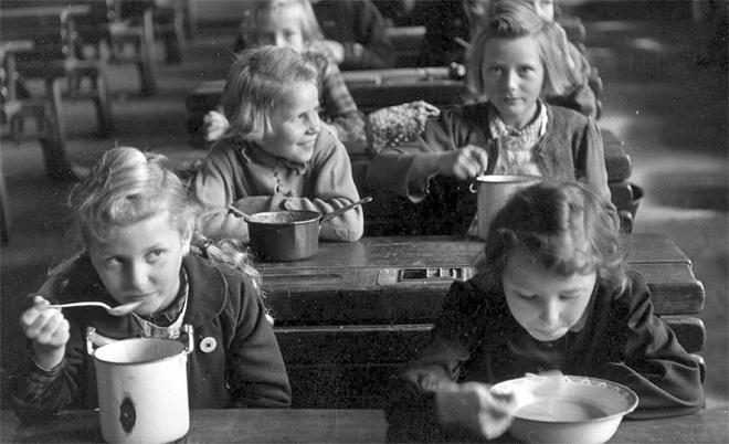 Sabes lo que comen tus hijos en el comedor del colegio? | Zen | EL MUNDO