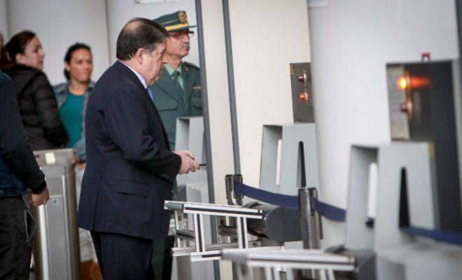 José Luis Olivas accede a las instalaciones de la Ciudad de la Justicia de Valencia.