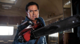 Bruce Campbell, como Ash Williams, en la serie 'Ash vs Evil Dead'.