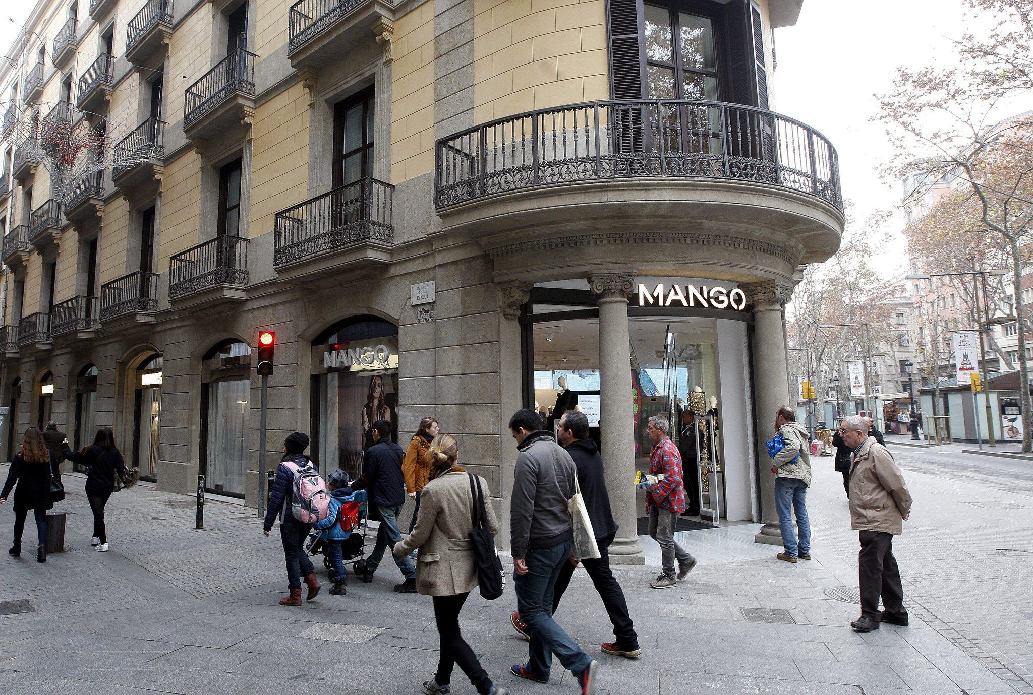 Tienda de Mango en pleno centro de la ciudad condal de Barcelona.