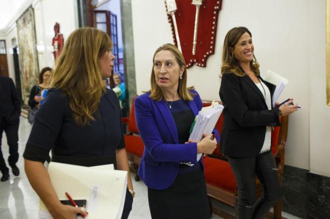 La presidenta del Congreso, Ana Pastor, se dirige a la reunión de la...