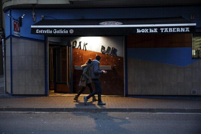 Fachada del bar Koxka, lugar en el que se produjo la agresión a los...