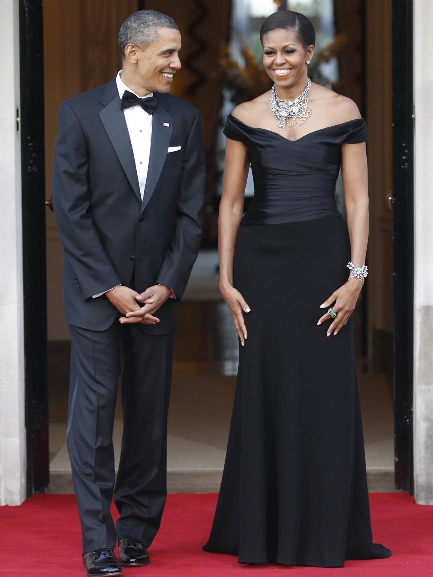 Junto a su marido Barack Obama durante una recepción oficial durante...