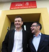 Tomás Gómez junto al ex alcalde de Parla José María Fraile.