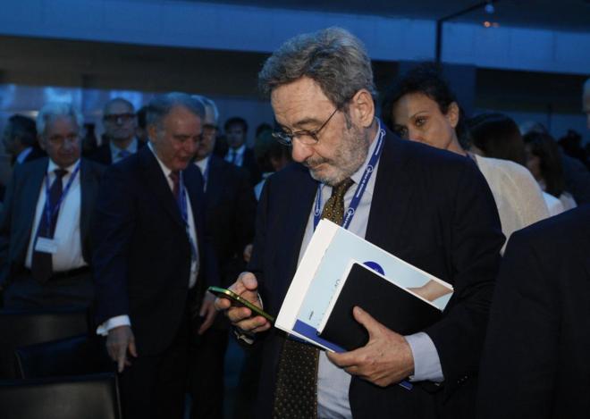 Narcis  Serra en la  jornadas XXXII Reunión Circulo de Economia