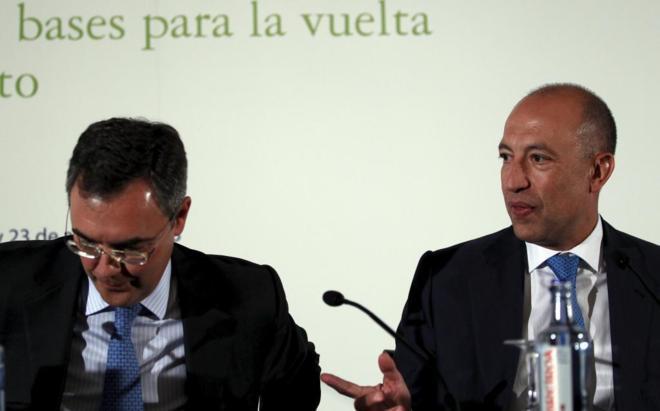 El socio de Deloitte, auditor de Bankia, Francisco Celma (dcha.), junto a José Sevilla, consejero delegado de Bankia, en un acto, en 2013.
