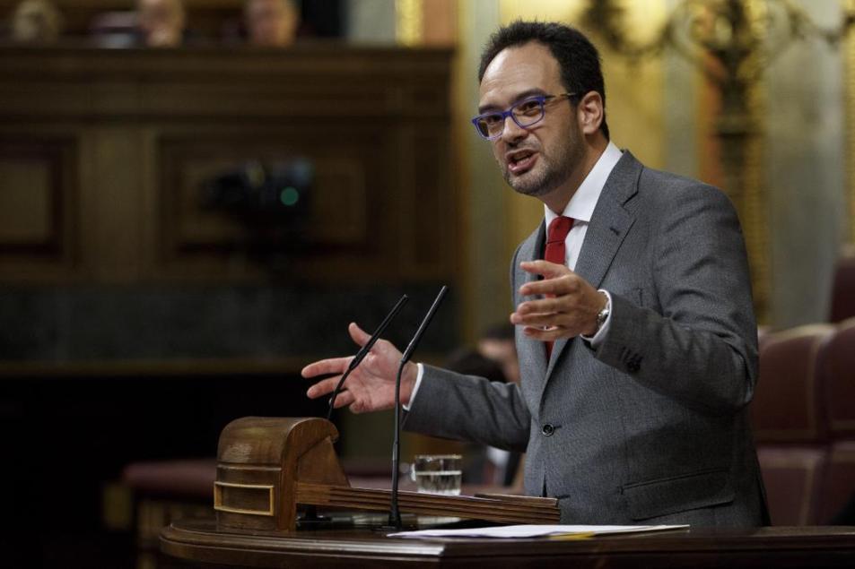 Antonio Hernando, portavoz del grupo socialista, durante su...