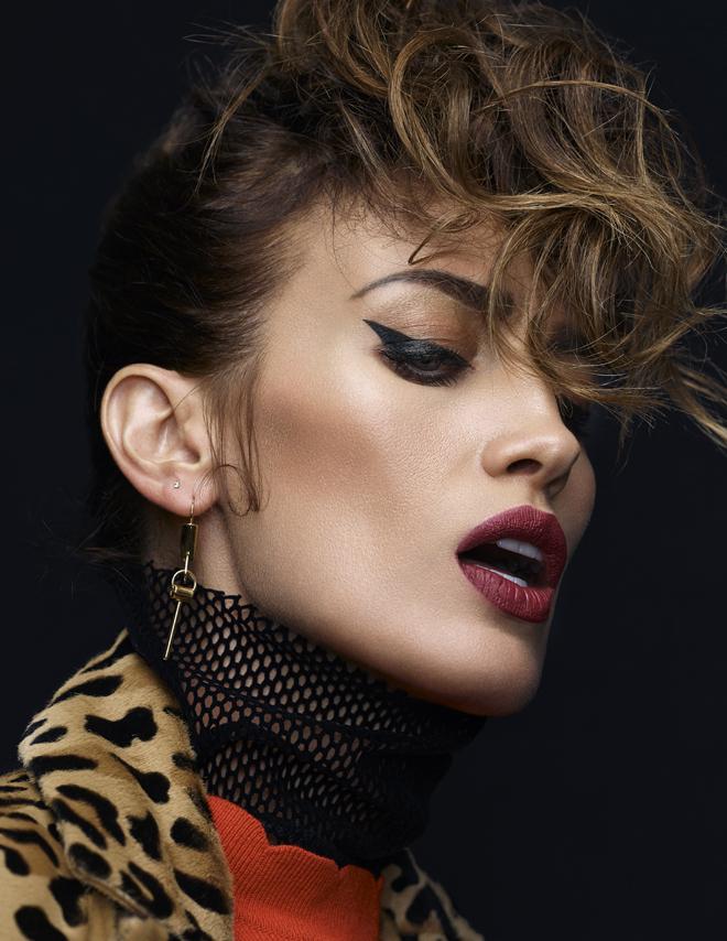 Nieves Alvarez Se Atreve Con Los Peinados Retro Belleza El Mundo