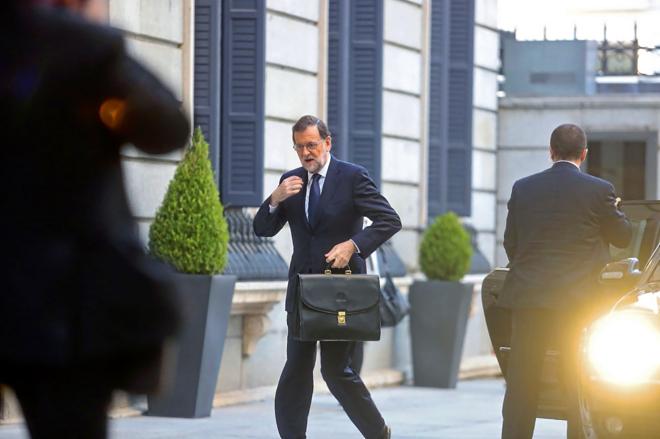 El líder del PP, Mariano Rajoy, el pasado jueves a su llegada al Congreso para la segunda jornada del debate de investidura.