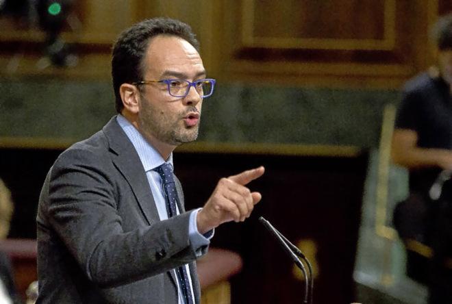 El portavoz del PSOE, Antonio Hernando, el sábado en el Pleno de investidura.