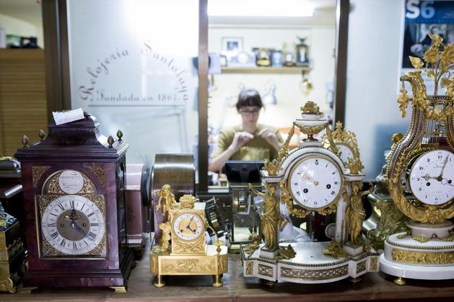 1ddc21dd7bf6 Interior de la Relojería Santolaya