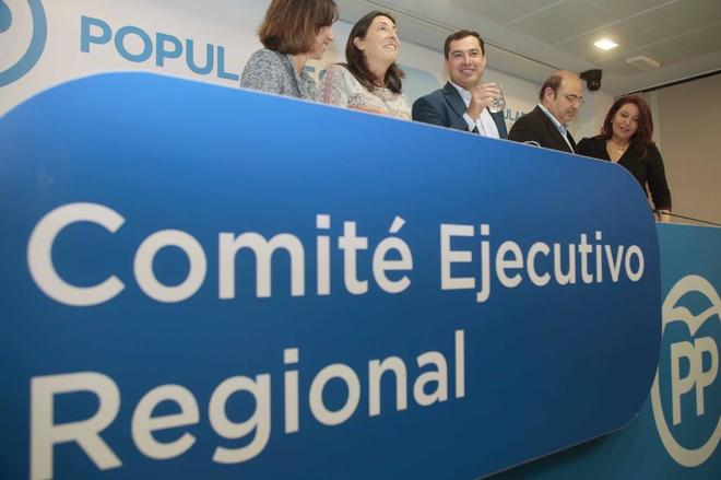 La dirección del PP andaluz, en la reunión de su ejecutiva en Granada.