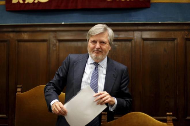 Íñigo Méndez de Vigo, preside una reunión del Consejo de...