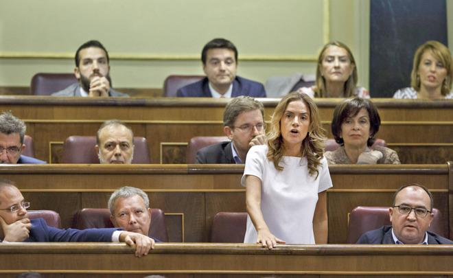 Susana Sumelzo, una de los 15 diputados socialistas que rompieron la...