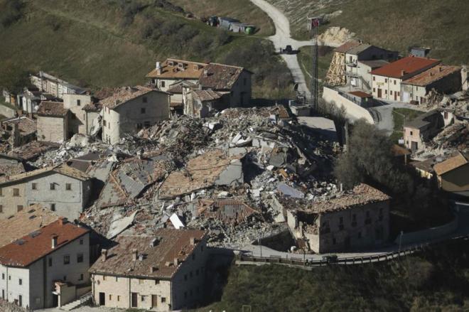 Castelluccio, cerca de Norcia, uno de los pueblos más afectados por los seísmos.