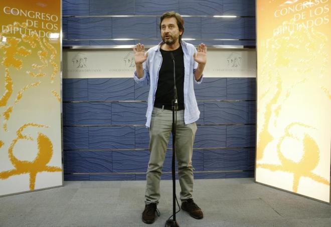 Rafael Mayoral, de Podemos, da su opinión sobre el nuevo Gobierno en el Congreso.
