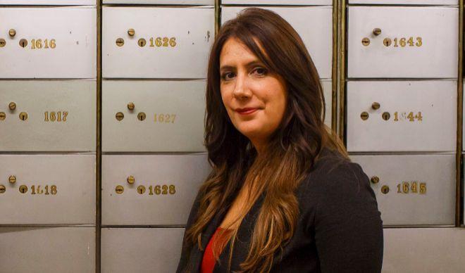 Dolores Redondo, ganadora del Premio Planeta, posa en el Instituto Cervantes