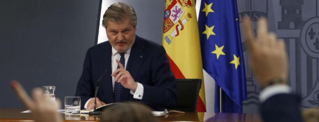 Íñigo Méndez de Vigo, hoy, durante el primer Consejo de Ministros...