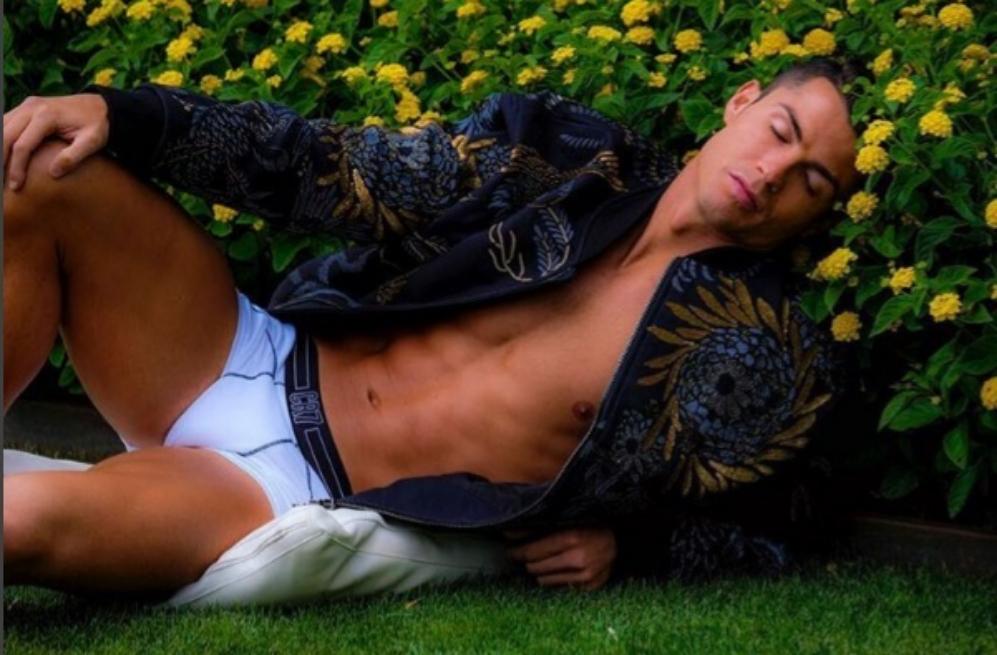 Cristiano Ronaldo ha revolucionado las redes sociales con una...