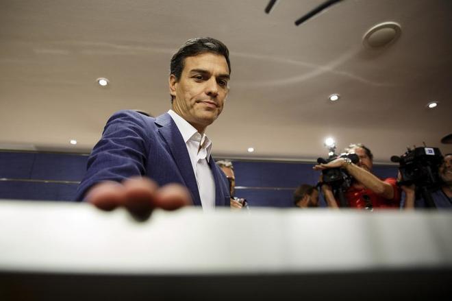 Rueda de prensa en la que Pedro Sánchez presentó su renuncia como...