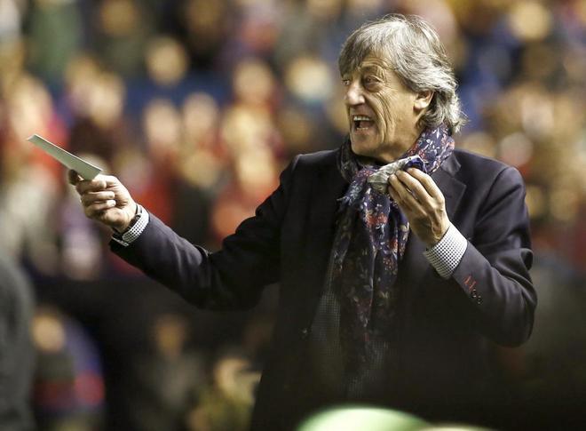 Enrique Martín, durante el último partido de Liga de Osasuna, contra el Alavés.
