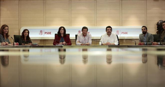 El CIS refleja la crisis del PSOE y agudiza la tensión interna