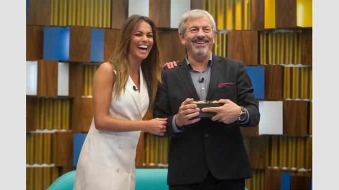 Lara Álvarez y Carlos Sobera presentarán juntos 'las uvas' en Telecinco y Cuatro.