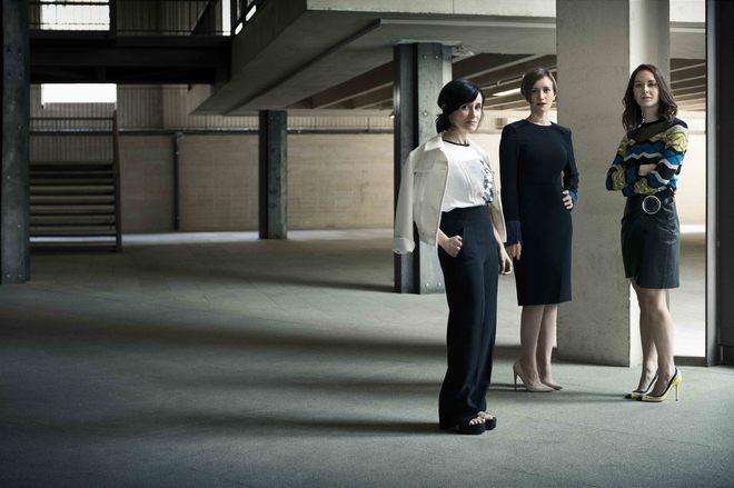 Las arquitectas Matilde Peralta 8i), María Langarita (c) y Eva Gil...