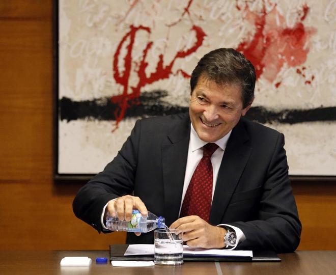 El presidente de la Comisión Gestora del PSOE, Javier Fernández.