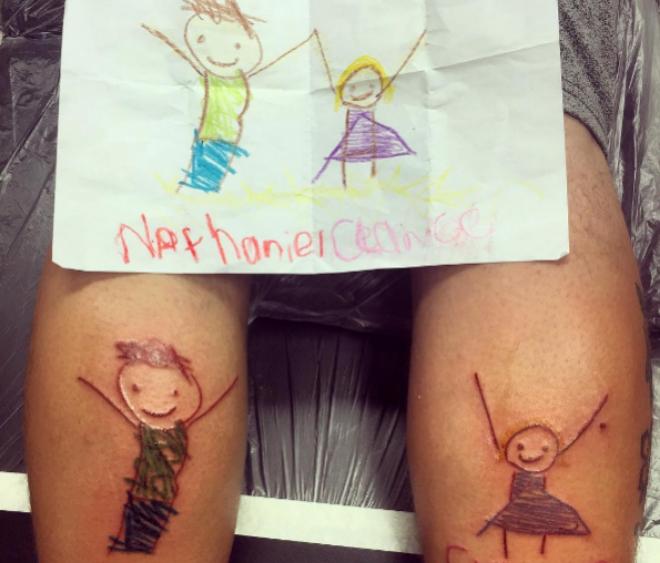 Una Nueva Moda Entre Los Padres Tatuarse Los Dibujos De Sus Hijos