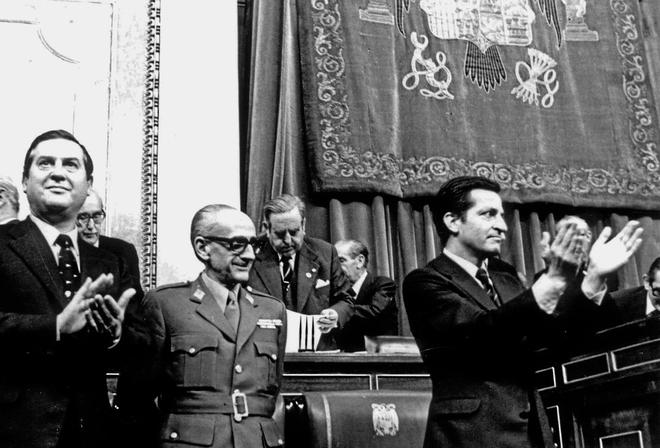 Alfonso Osorio, Manuel Gutiérrez Mellado y Adolfo Suáerz,...