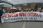Una de las pancartas que portaban los manifestantes en Alsasua.