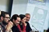 Pablo Iglesias junto al diputado Diego Cañamero y los autores del...