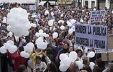 """Globos blancos y pancartas en Huelva para clamar por una """"Sanidad..."""
