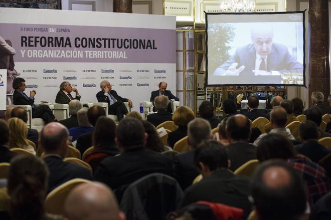 """II Foro Pensar (En)España """"Reforma constitucional y organización..."""