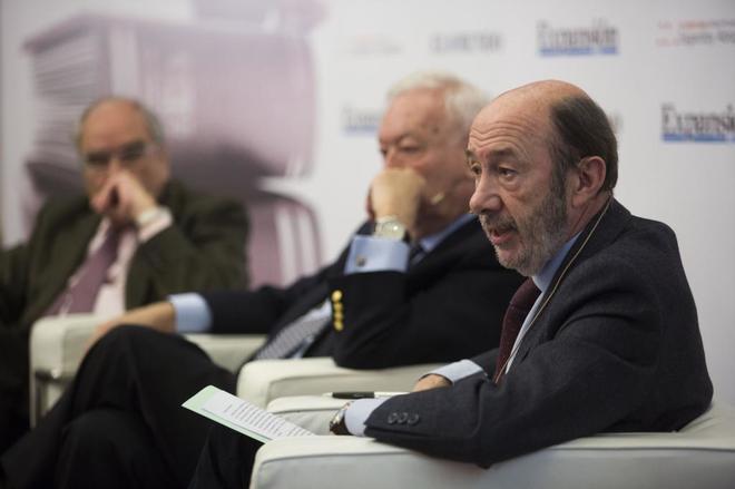 Rodolfo Martín Villa, José Manuel García-Margallo, Alfredo Pérez...