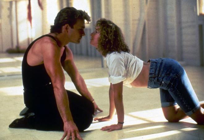 Patrick Swayze y Jennifer Grey en una de las escenas más icónicas de...